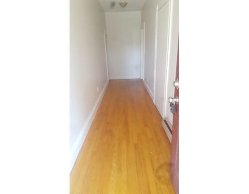 Casa Unifamiliar por un Alquiler en 32 Nelson Street Boston, Massachusetts 02124 Estados Unidos