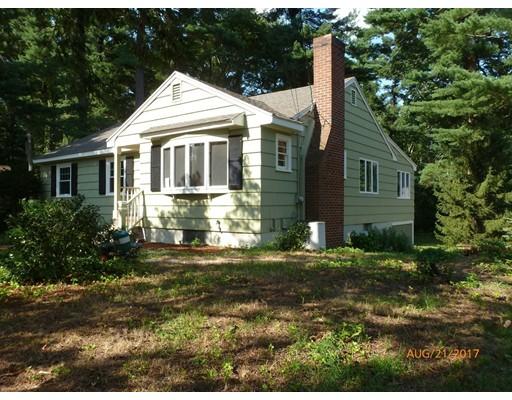 独户住宅 为 销售 在 12 Mitchell Road 林菲尔德, 01940 美国