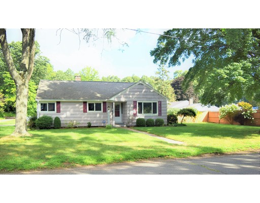 واحد منزل الأسرة للـ Sale في 210 High Street Agawam, Massachusetts 01001 United States