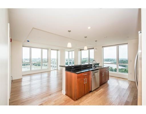 Appartement en copropriété pour l Vente à 100 Station Lndg #1111 Medford, Massachusetts 02155 États-Unis