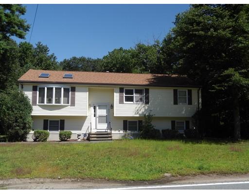 Maison unifamiliale pour l Vente à 579 Rockland Street Abington, Massachusetts 02351 États-Unis