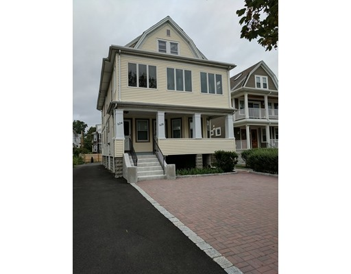 Additional photo for property listing at 836 Fellsway  Medford, Massachusetts 02155 United States