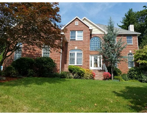 Single Family Home for Sale at 7 Homeland Circle 7 Homeland Circle Saugus, Massachusetts 01906 United States