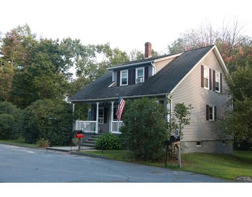 Maison unifamiliale pour l Vente à 28 North Street Gardner, Massachusetts 01440 États-Unis