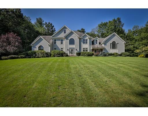 Maison unifamiliale pour l Vente à 4 Brittany Lane Atkinson, New Hampshire 03811 États-Unis