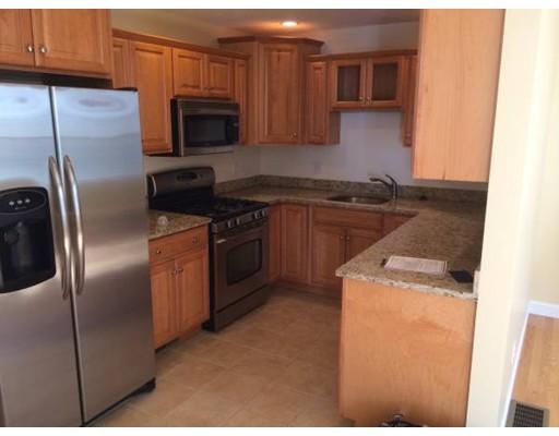 Casa Unifamiliar por un Alquiler en 227 Birch Street Abington, Massachusetts 02351 Estados Unidos
