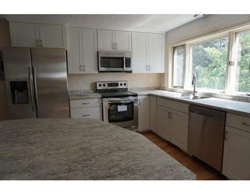 独户住宅 为 出租 在 158 Summer Street 韦茅斯, 马萨诸塞州 02188 美国