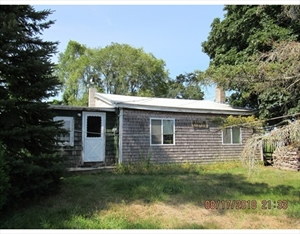 33 Greens Point Road  is a similar property to 325 Linebrook Rd  Ipswich Ma