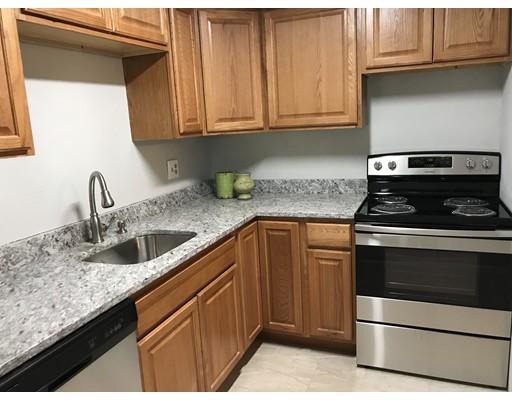 共管式独立产权公寓 为 销售 在 101 Oak Lane 布罗克顿, 马萨诸塞州 02301 美国