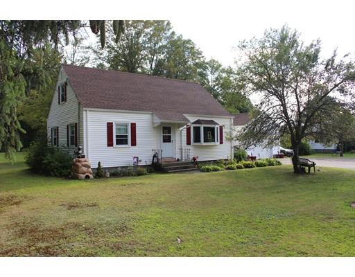 Частный односемейный дом для того Продажа на 510 E State Street Granby, Массачусетс 01033 Соединенные Штаты