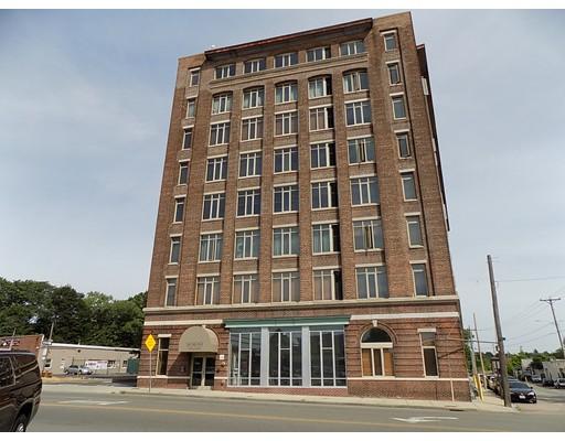 共管式独立产权公寓 为 销售 在 146 Court Street 布罗克顿, 马萨诸塞州 02302 美国