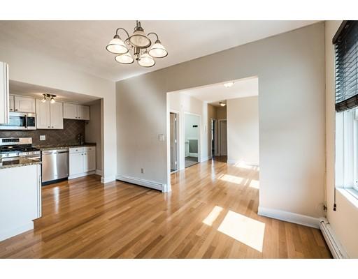 Appartement en copropriété pour l Vente à 122 Chestnut Street Chelsea, Massachusetts 02150 États-Unis