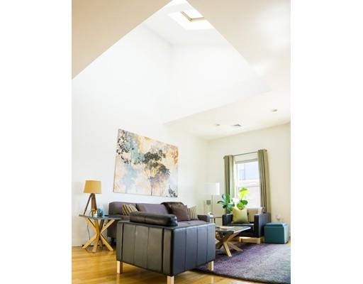 Additional photo for property listing at 938 Dorchester Avenue  Boston, Massachusetts 02125 Estados Unidos
