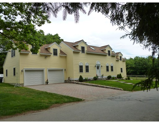 Casa Unifamiliar por un Venta en 411 North Street Holden, Massachusetts 01522 Estados Unidos
