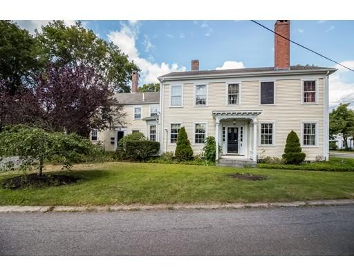 多户住宅 为 销售 在 93 South St A Bridgewater, 马萨诸塞州 02324 美国