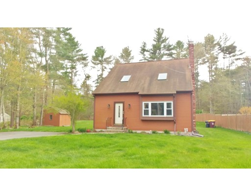 واحد منزل الأسرة للـ Sale في 252 Mattapoisett Road Acushnet, Massachusetts 02743 United States
