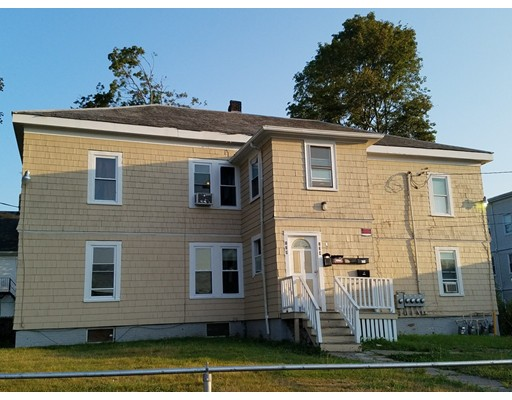 Maison avec plusieurs logements pour l Vente à 134 GREEN STREET Brockton, Massachusetts 02301 États-Unis