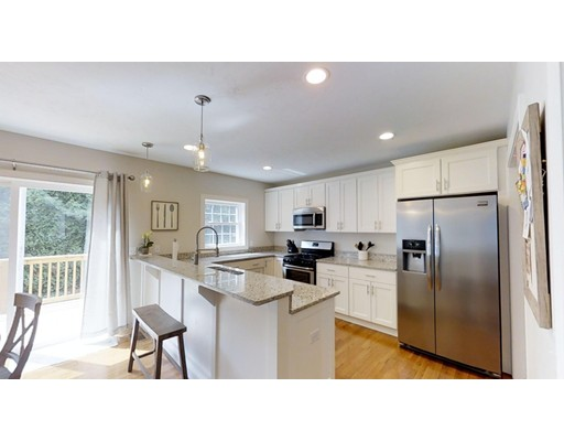 Maison unifamiliale pour l Vente à 44 Burncoat Heights 44 Burncoat Heights Worcester, Massachusetts 01606 États-Unis