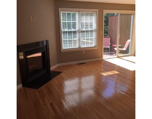 شقة بعمارة للـ Sale في 213 Bridle Cross Road Fitchburg, Massachusetts 01420 United States