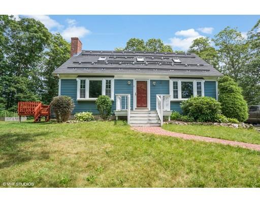 واحد منزل الأسرة للـ Sale في 2 Deerwood Drive 2 Deerwood Drive Sandwich, Massachusetts 02537 United States