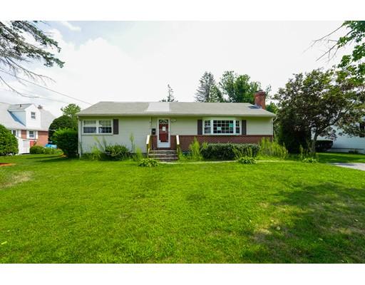 واحد منزل الأسرة للـ Sale في 398 Theresa Street Fitchburg, Massachusetts 01420 United States