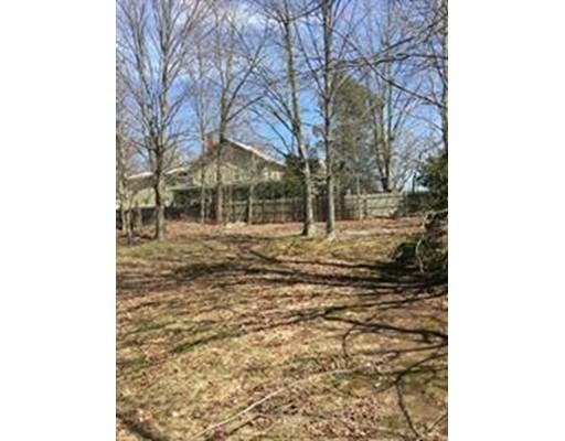 Maison unifamiliale pour l Vente à 118 North Main Street Avon, Massachusetts 02322 États-Unis