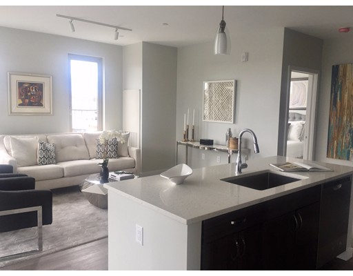 Casa Unifamiliar por un Alquiler en 640 Boston Avenue Medford, Massachusetts 02155 Estados Unidos