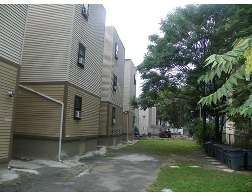Casa Multifamiliar por un Venta en 100 Chestnut Street Chelsea, Massachusetts 02150 Estados Unidos