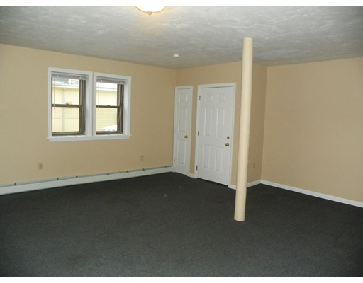 Maison avec plusieurs logements pour l Vente à 102 Chestnut Street 102 Chestnut Street Chelsea, Massachusetts 02150 États-Unis
