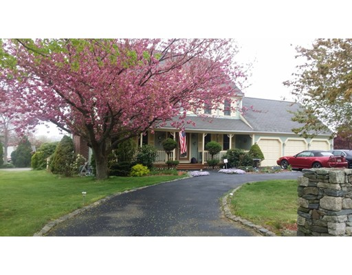 Casa Unifamiliar por un Venta en 135 Falcon Locke Way 135 Falcon Locke Way Somerset, Massachusetts 02726 Estados Unidos