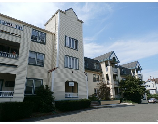 Appartement en copropriété pour l Vente à 38 Carter Street Everett, Massachusetts 02149 États-Unis