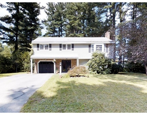 Maison unifamiliale pour l Vente à 26 Eastview Avenue Billerica, Massachusetts 01821 États-Unis