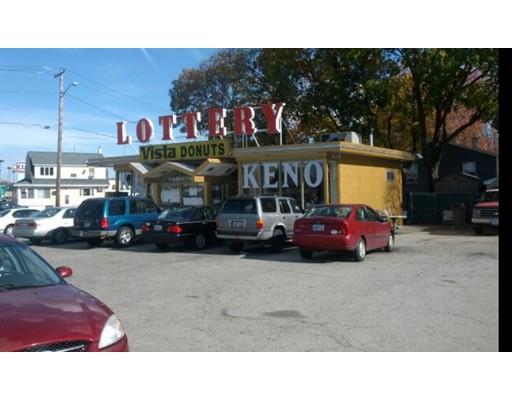 Commercial pour l Vente à 1094 Washington Street 1094 Washington Street Attleboro, Massachusetts 02703 États-Unis