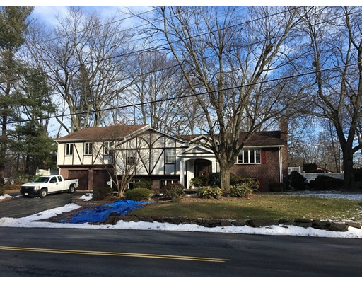 Single Family Home for Sale at 60 Michael Drive 60 Michael Drive South Hadley, Massachusetts 01075 United States