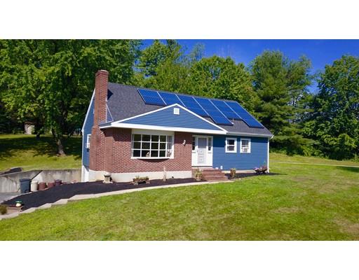 واحد منزل الأسرة للـ Sale في 556 New Ipswich Road 556 New Ipswich Road Ashby, Massachusetts 01431 United States