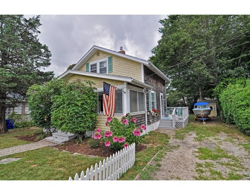 واحد منزل الأسرة للـ Sale في 80 Prospect Avenue Bourne, Massachusetts 02559 United States