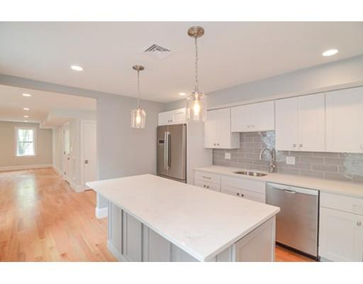 Appartement en copropriété pour l Vente à 11 Monument Street Boston, Massachusetts 02129 États-Unis