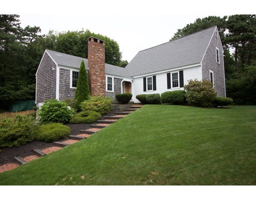 واحد منزل الأسرة للـ Sale في 66 Siasconset Drive Bourne, Massachusetts 02562 United States