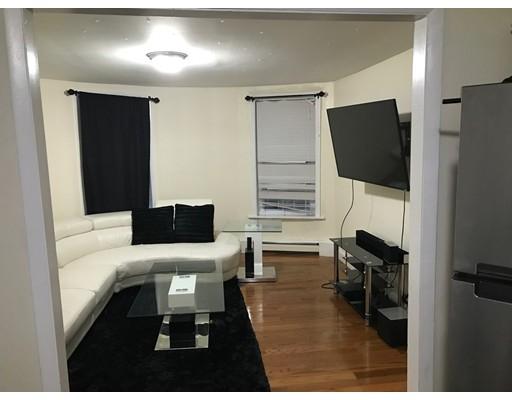 Maison avec plusieurs logements pour l Vente à 16 Norwell Street Boston, Massachusetts 02121 États-Unis