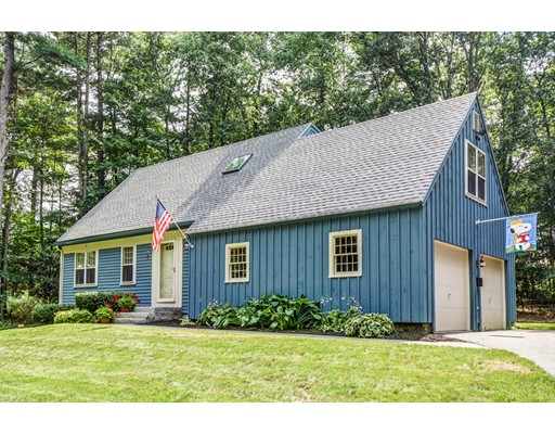 Casa Unifamiliar por un Venta en 25 Throne Hill Road Groton, Massachusetts 01450 Estados Unidos