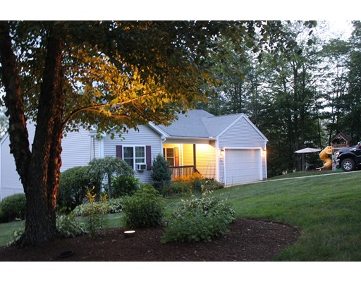 Maison unifamiliale pour l Vente à 5 Wells Road Brookfield, Massachusetts 01506 États-Unis