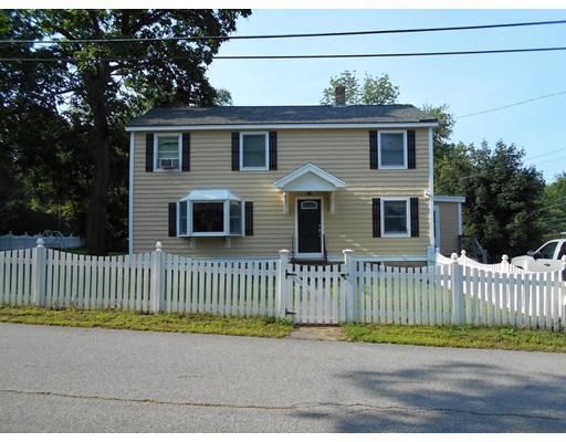 Maison unifamiliale pour l Vente à 32 Grove Avenue Dracut, Massachusetts 01826 États-Unis