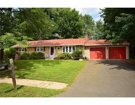 Casa Unifamiliar por un Venta en 17 Cleveland Street Enfield, Connecticut 06082 Estados Unidos