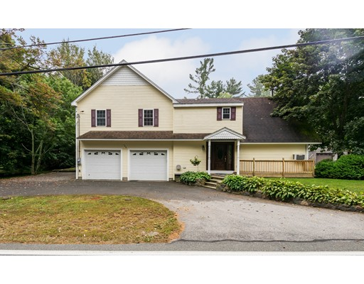 Single Family Home for Sale at 158 Forest Street 158 Forest Street Middleton, Massachusetts 01949 United States
