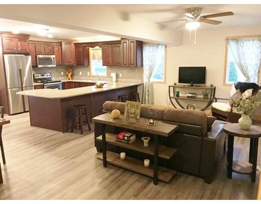 واحد منزل الأسرة للـ Sale في 26 Sagamore Drive Dartmouth, Massachusetts 02748 United States