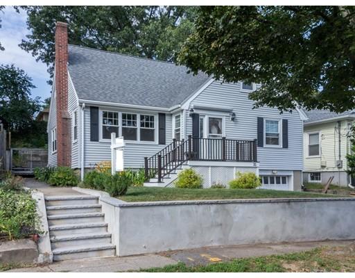 Maison unifamiliale pour l Vente à 35 Fairfield Street Dedham, Massachusetts 02026 États-Unis