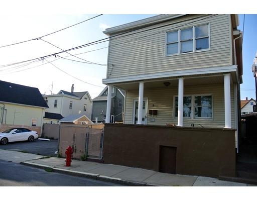 Maison avec plusieurs logements pour l Vente à 9 Hawthorn Street Everett, Massachusetts 02149 États-Unis
