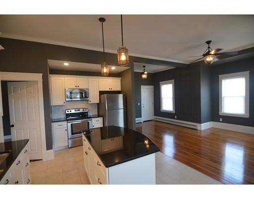 Casa Unifamiliar por un Alquiler en 58 E Main Street Webster, Massachusetts 01570 Estados Unidos