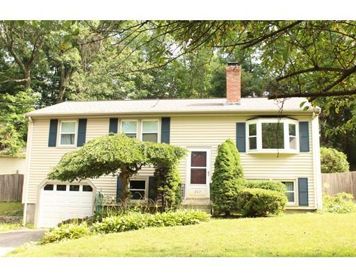 Частный односемейный дом для того Продажа на 267 Daniels Street Franklin, Массачусетс 02038 Соединенные Штаты