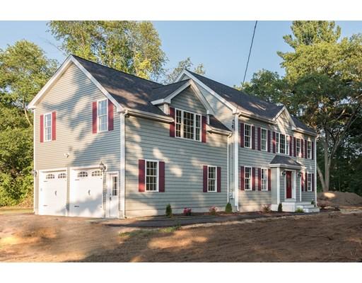 Maison unifamiliale pour l Vente à 302 Randolph Street Weymouth, Massachusetts 02190 États-Unis